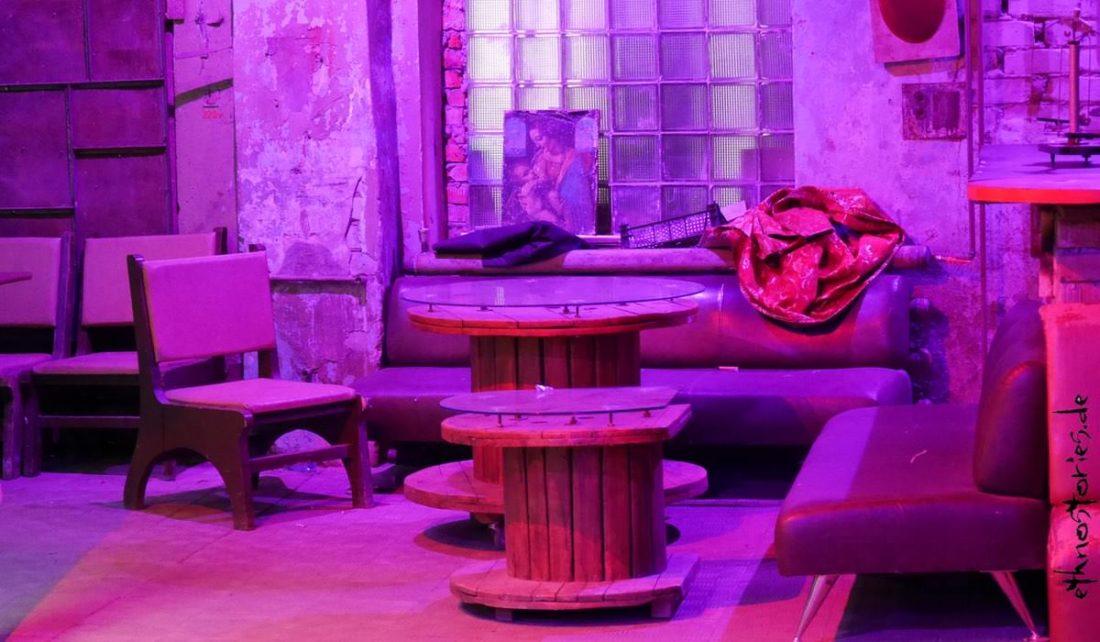 Bar und Veranstaltungsraum, Künstlerzentrum Alafuzov Loft, Kasan, Tatarstan