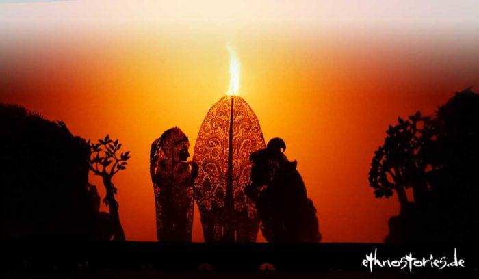 Artikelfoto: Beim Schattenspiel im Tempel auf Bali