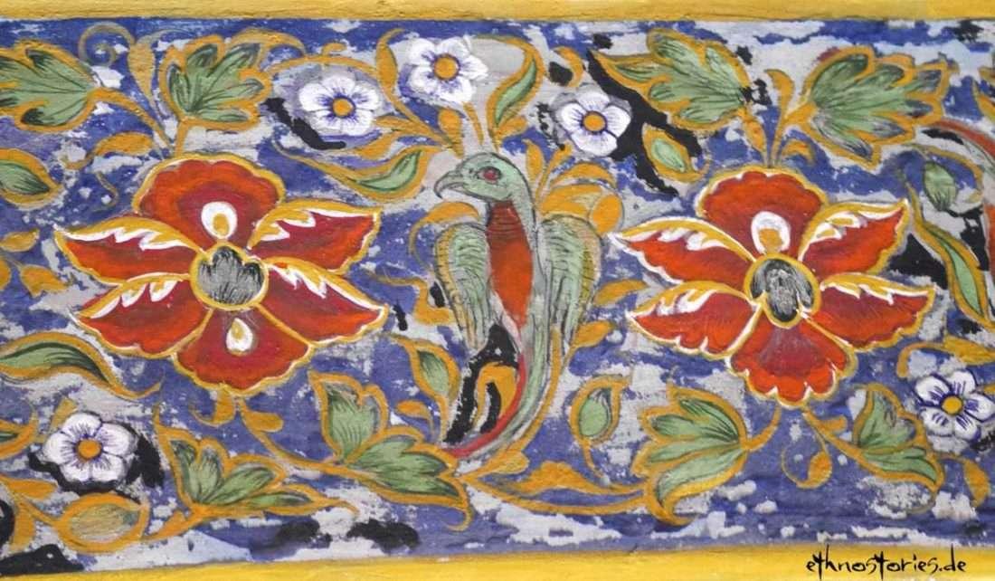Vogel mit Blumen und Ranken - Wandmalerei im Stadtpalast Udaipur - Artikelfoto: Geschichten erzählen und Storytelling - die besten Tipps von Ethnostories