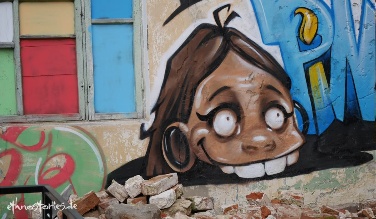 Grafitti im Künstlerzentrum Alafuzov Loft in Kasan (Tatarstan)