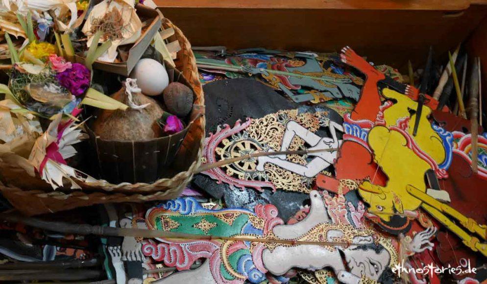 Schattentheater in Bali, Puppenkiste eines Schattenspielers