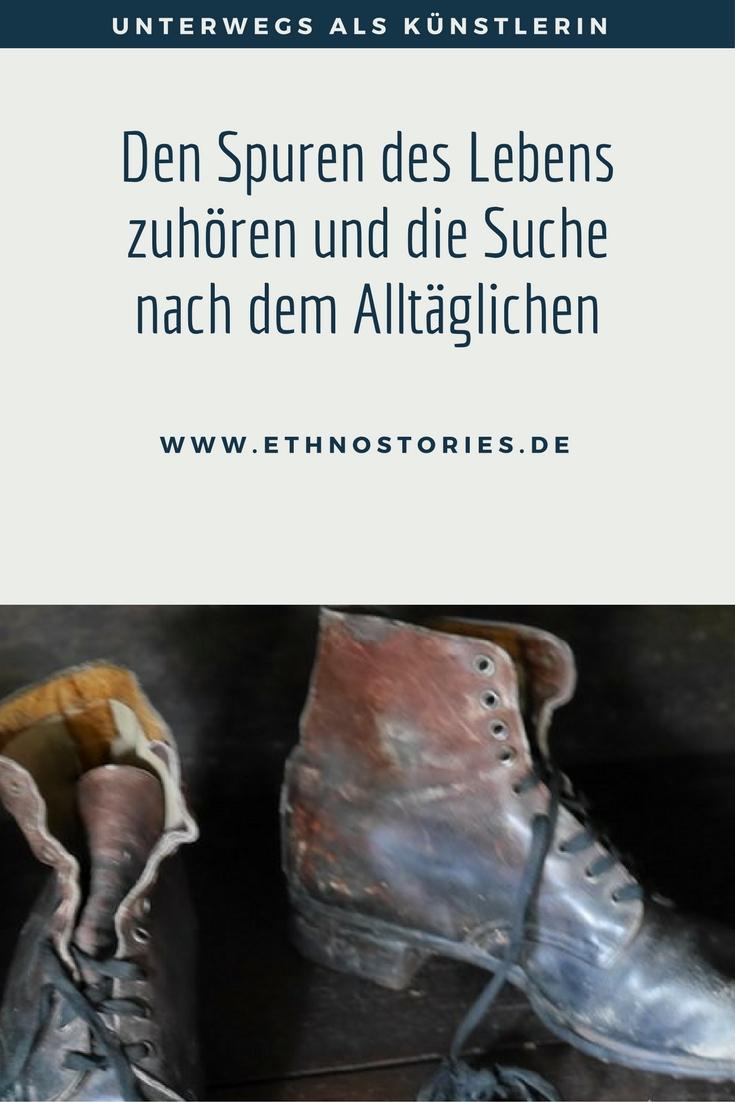 Alte abgelaufende Stiefel   - Artikelfoto: Den Spuren des Lebens zuhören